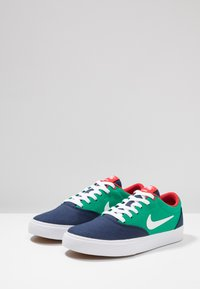 Nike SB - CHARGE  - Trainers - wolf grey/white - 2