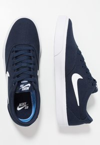 Nike SB - CHARGE  - Baskets basses - obsidian/white - 1