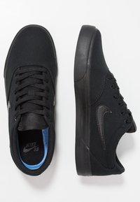 Nike SB - CHARGE  - Sneakersy niskie - black - 1