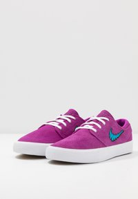 Nike SB - ZOOM JANOSKI - Sneakers laag - vivid purple/laser blue/black/light brown - 2