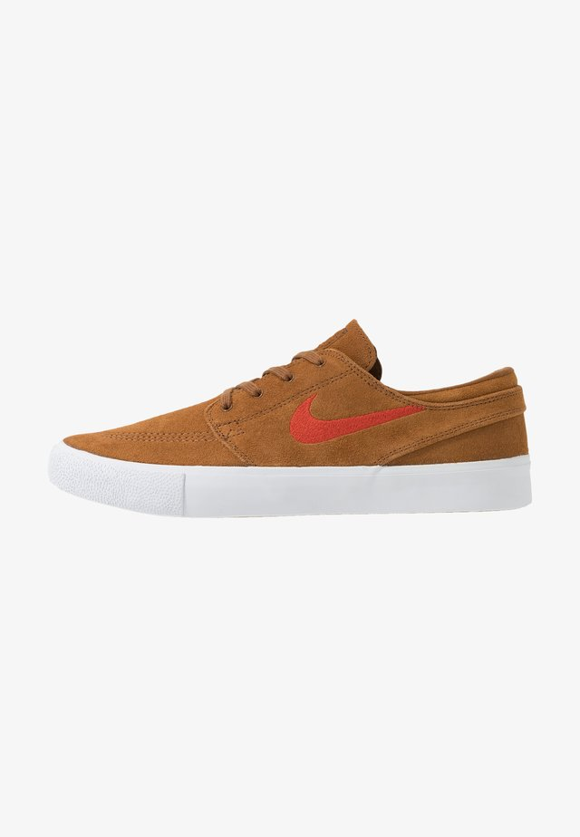 ZOOM JANOSKI - Matalavartiset tennarit - light british tan/mystic red/white/gum light brown