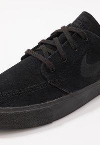 Nike SB - ZOOM JANOSKI - Sneakers laag - black/photo blue/hyper pink - 5