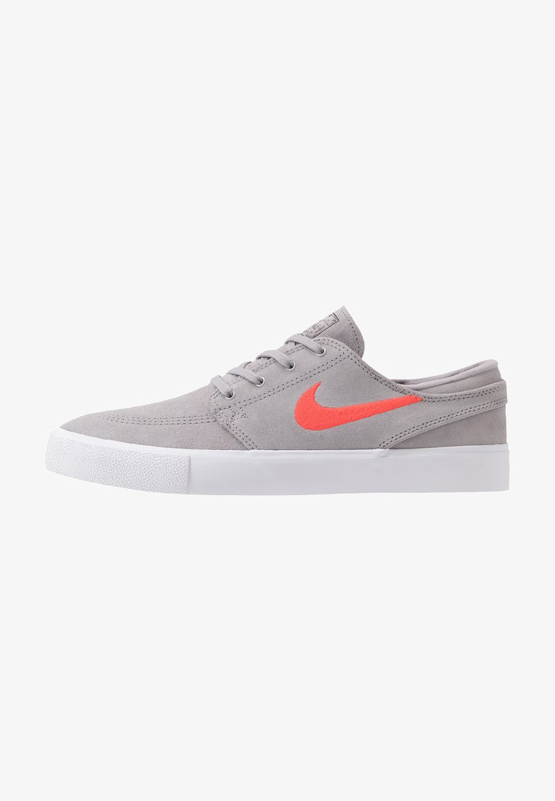 Nike SB - ZOOM JANOSKI - Sneakers laag - atmosphere grey/bright crimson/white/gum light brown