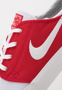 Nike SB - ZOOM JANOSKI - Sneakers laag - white/ red/ blue - 6