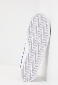 Nike SB - ZOOM JANOSKI PRM - Sneakers laag - team royal/fire pink/white - 4