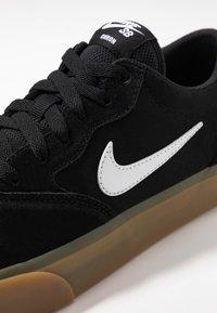 Nike SB - CHRON SLR - Sneakers laag - black/white/light brown - 5