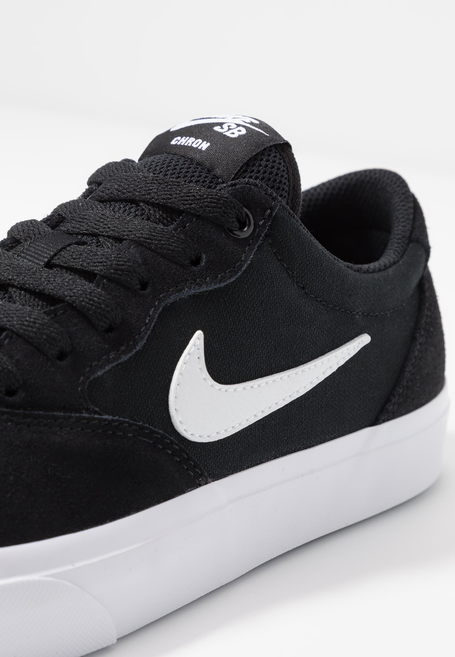 Nike SB CHRON SLR - Sneakersy niskie - black/white