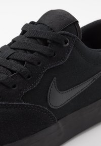 Nike SB - CHRON SLR - Sneakers laag - black - 5