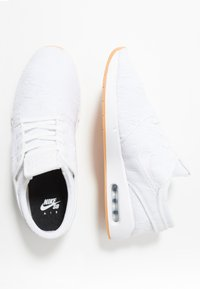 Nike SB - AIR MAX JANOSKI 2 - Sneaker low - white/yellow - 1