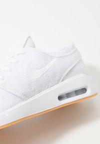 Nike SB - AIR MAX JANOSKI 2 - Sneaker low - white/yellow - 5