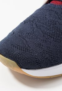Nike SB - AIR MAX JANOSKI 2 - Sneakers laag - obsidian bicoastal/desert sand/light brown/team red - 5