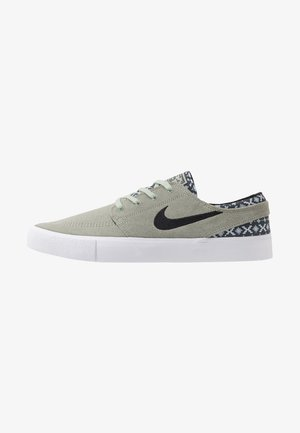 ZOOM JANOSKI - Matalavartiset tennarit - jade horizon/black/white