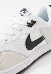 Nike SB - ALLEYOOP - Skate shoes - white/black