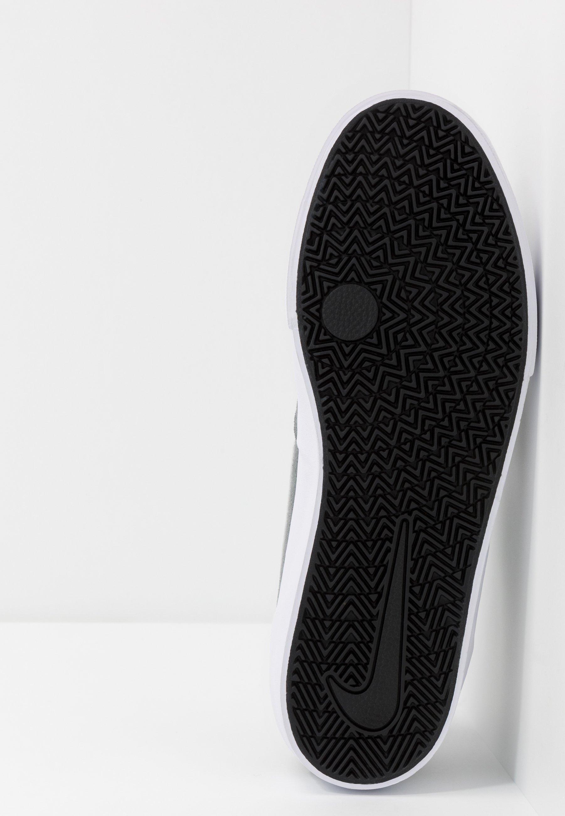 Nike SB CHARGE - Obuwie deskorolkowe - cool grey/white