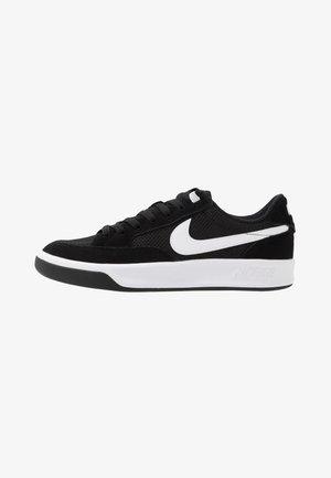 ADVERSARY - Skateboardové boty - black/white