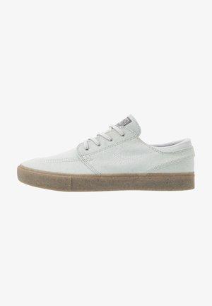 ZOOM JANOSKI - Sneakers laag - pure platinum/light brown