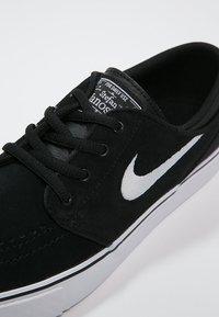 Nike SB - STEFAN JANOSKI - Sneakers laag - black/white - 5
