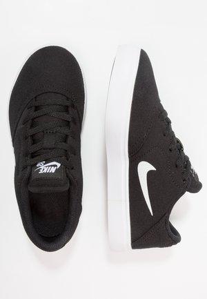 CHECK - Skate shoes - black/white