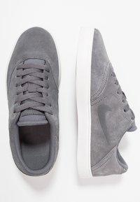Nike SB - CHECK - Trainers - dark grey/black/summit white - 0