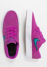 Nike SB - STEFAN JANOSKI  - Sneakers laag - vivid purple/laser blue/light brown/white - 0