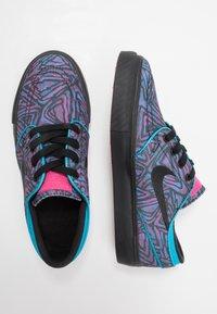 Nike SB - STEFAN JANOSKI PRM - Sneakers laag - watermelon/black - 0