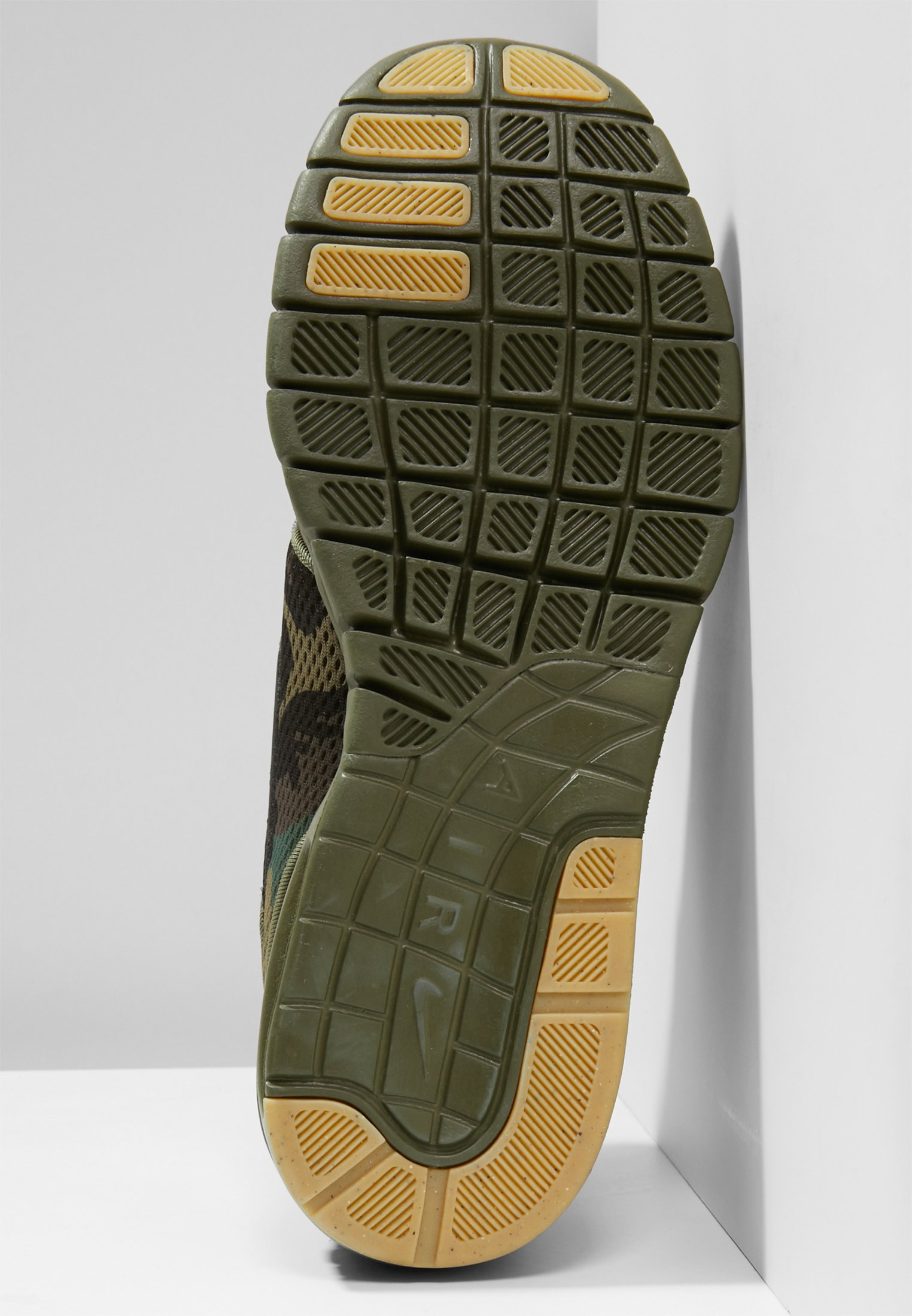 STEFAN JANOSKI MAX Sneakers laag iguanablackmed olivegum light browncampfire orange