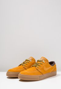 Nike SB - ZOOM JANOSKI PRM - Zapatillas - bronze/light brown/particle beige/baroque brown/medium brown - 2