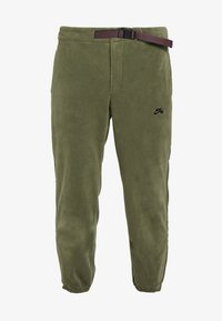 Nike SB - NOVELTY PANT - Pantalones deportivos - medium olive/black - 3