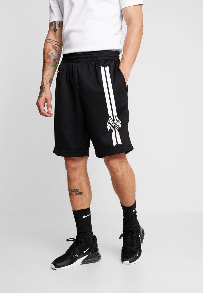 Nike SB - DRY SUNDAY - Shorts - black/summit white