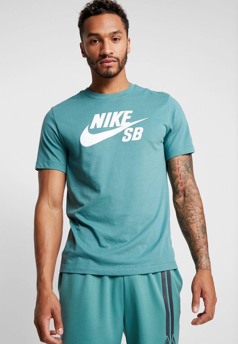 Nike SB - DRY TEE LOGO - Print T-shirt - bicoastal
