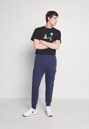 TEE YOON VENICE - T-shirt imprimé - black