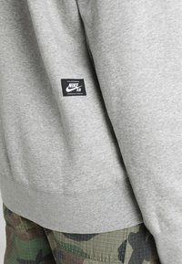 Nike SB - ICON HOODIE - Luvtröja - grey heather - 5