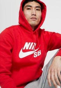 Nike SB - ICON HOODIE - Hoodie - university red/white - 4