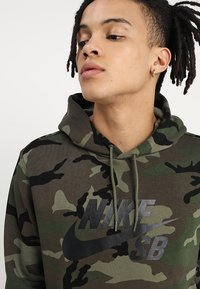Nike SB - HOODIE ICON - Luvtröja - medium olive/black - 3