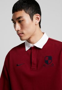 Nike SB - RUGBY - Sweatshirt - team red/white/dark obsidian - 3