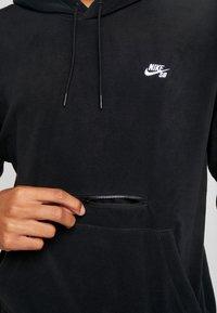 Nike SB - NOVELTY - Hættetrøjer - black/white - 3