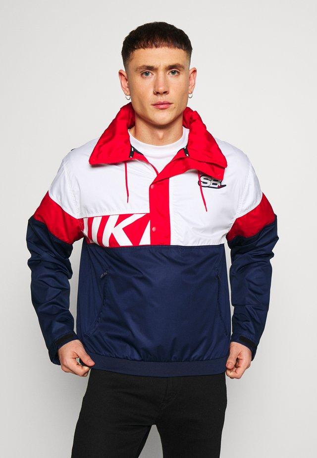 Korte jassen - midnight navy/white/university red