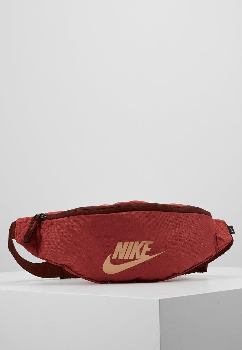 Nike Sportswear - HERITAGE - Bältesväska - red
