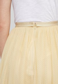 Needle & Thread - MIDI SKIRT - A-Linien-Rock - washed yellow - 5