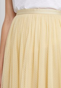Needle & Thread - MIDI SKIRT - A-Linien-Rock - washed yellow - 3