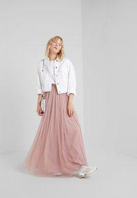 Needle & Thread - DOTTED MAXI SKIRT - Plisovaná sukně - iris pink - 1