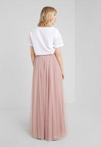 Needle & Thread - DOTTED MAXI SKIRT - Plisovaná sukně - iris pink - 2