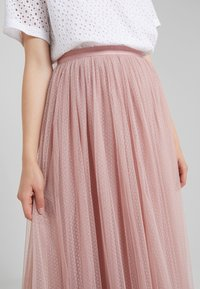 Needle & Thread - DOTTED MAXI SKIRT - Plisovaná sukně - iris pink - 4