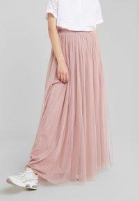 Needle & Thread - DOTTED MAXI SKIRT - Plisovaná sukně - iris pink - 0