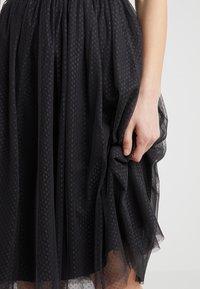 Needle & Thread - DOTTED MIDI SKIRT - Áčková sukně - graphite - 4