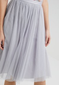 Needle & Thread - DOTTED MIDI SKIRT - A-line skjørt - dusk blue - 4