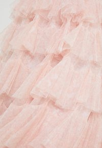 Needle & Thread - FLORALSCALLOPED MIDAXI SKIRT - A-line skirt - french rose - 5