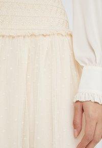 Needle & Thread - SMOCKED KISSES BALLERINA SKIRT - Pencil skirt - champagne - 4