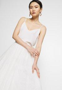 Needle & Thread - KISSES SKIRT - Maxirock - white - 3