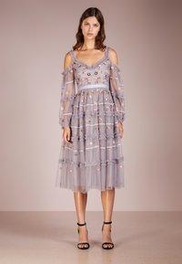 Needle & Thread - CELESTE DRESS - Cocktailklänning - vintage lavender - 0
